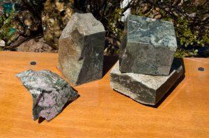 Wyoming Thulite Jade Mix